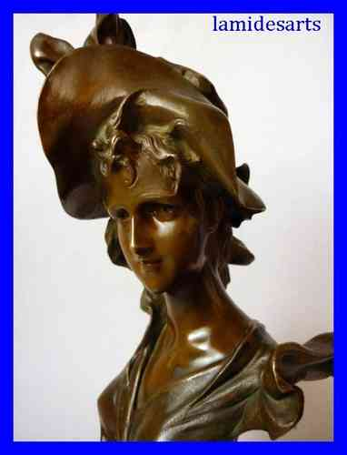 1900's ART NOUVEAU BRONZE  Young Lady with hat