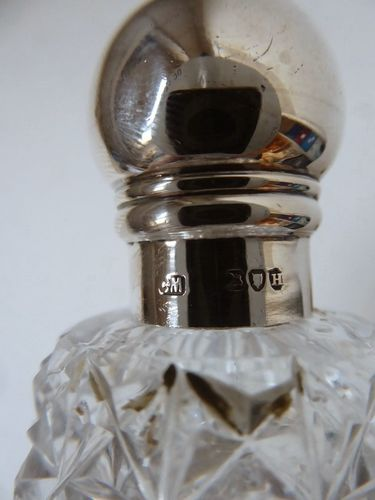 ANTIQUE CRYSTAL AND SILVER FLASK BOTTLE London 1883