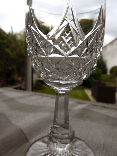 BACCARAT COLBERT CRYSTAL WINE GLASS 13 cm  signed  stock: 9